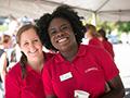 Volunteers help new students