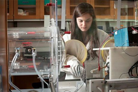Ariana Levitt working on fiber electrospinning