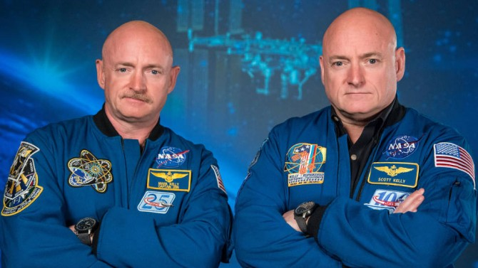 Mark Kelly and Scott Kelly