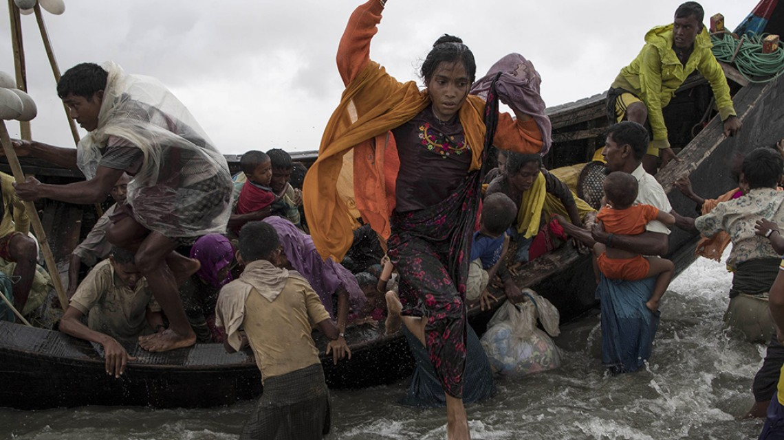 Rohingya refugees arriving in Bangladesh