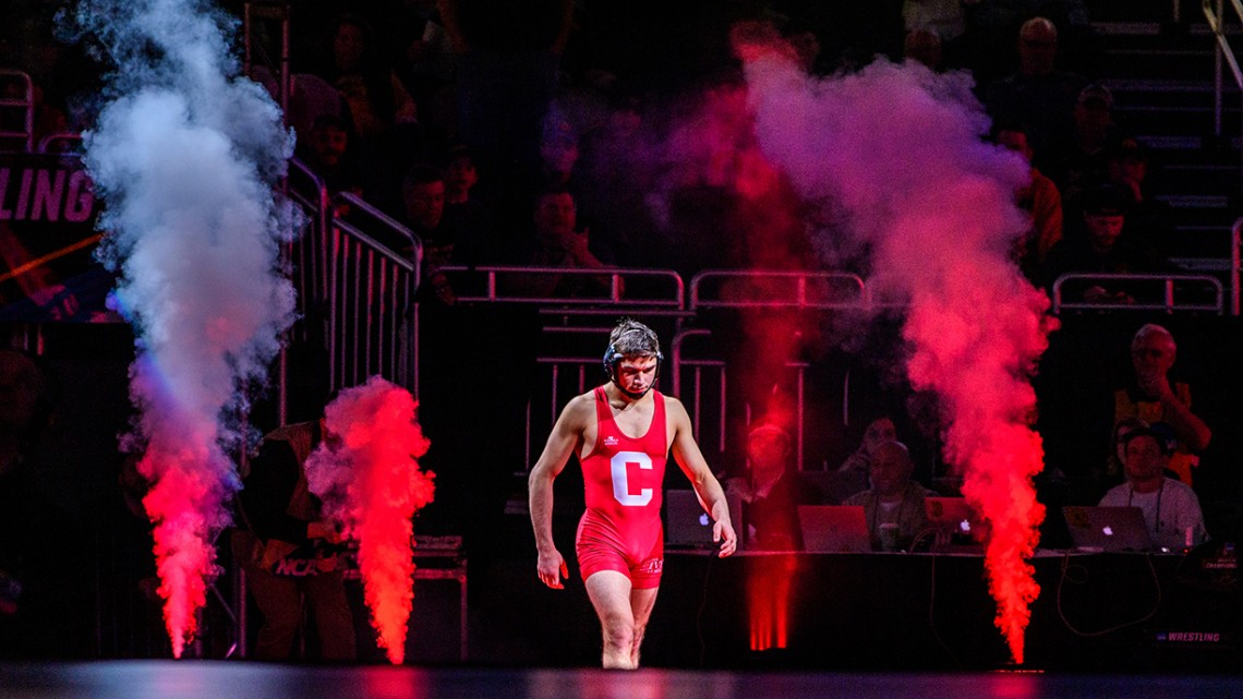 Yianni Diakomihalis approaches the mat in the finals of the NCAA national championship March 23.