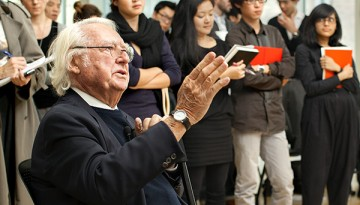 Richard Meier talks to architecture students