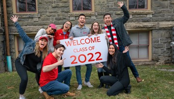 Students cheer for Class of 2022