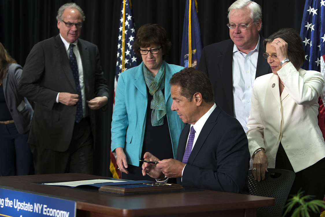 Gov. Cuomo signs the hemp bill