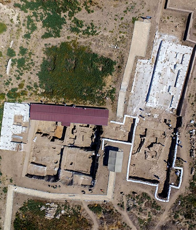 Aerial photograph of fields 1, 2 and 7 from Early Bronze and Iron Age excavations at Tell Tayinat in Hate, Turkey