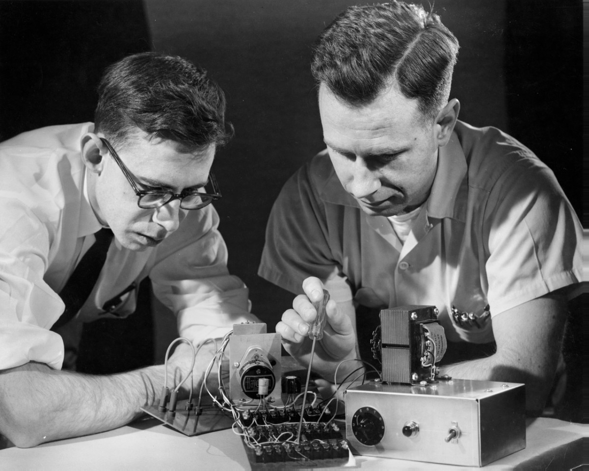 Professor's perceptron paved the way for AI – 60 years too soon | Cornell Chronicle